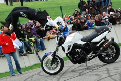SUPERBIKER METTET 2013 - Show Stunt avec Chris PFEIFFER